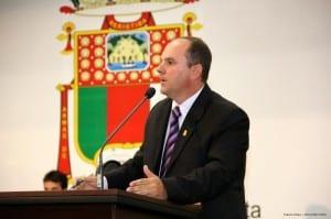 o Vereador Válber Salarini solicitou à Secretária de Administração e Recursos Humanos, Brunella Marques.
