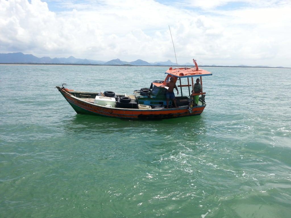 Pescadores foram encontrados bem. Foto: Assessoria de Comunicação da Capitania dos Portos.