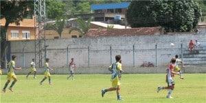 Cerca de 200 crianças disputam a 1ª Taça da Amizade de Futebol Infantil.