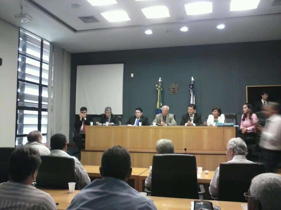 Reunião está acontecendo neste momento. Foto: Edinho Maioli.