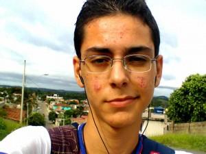 Alaerte gostava de música e vivia com fones de ouvido. Foto: Arquivo pessoal.