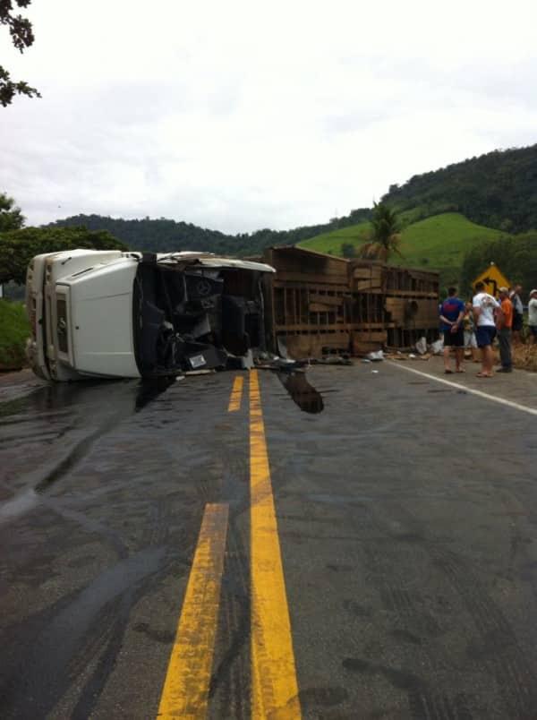 Foto do acidente. Foto: PRF-ES.