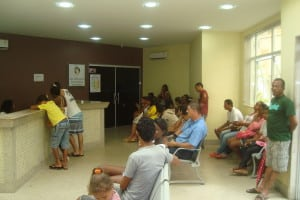 pacientes aguardam, atendimento na UPA. Foto: Wilcler C. Lopes