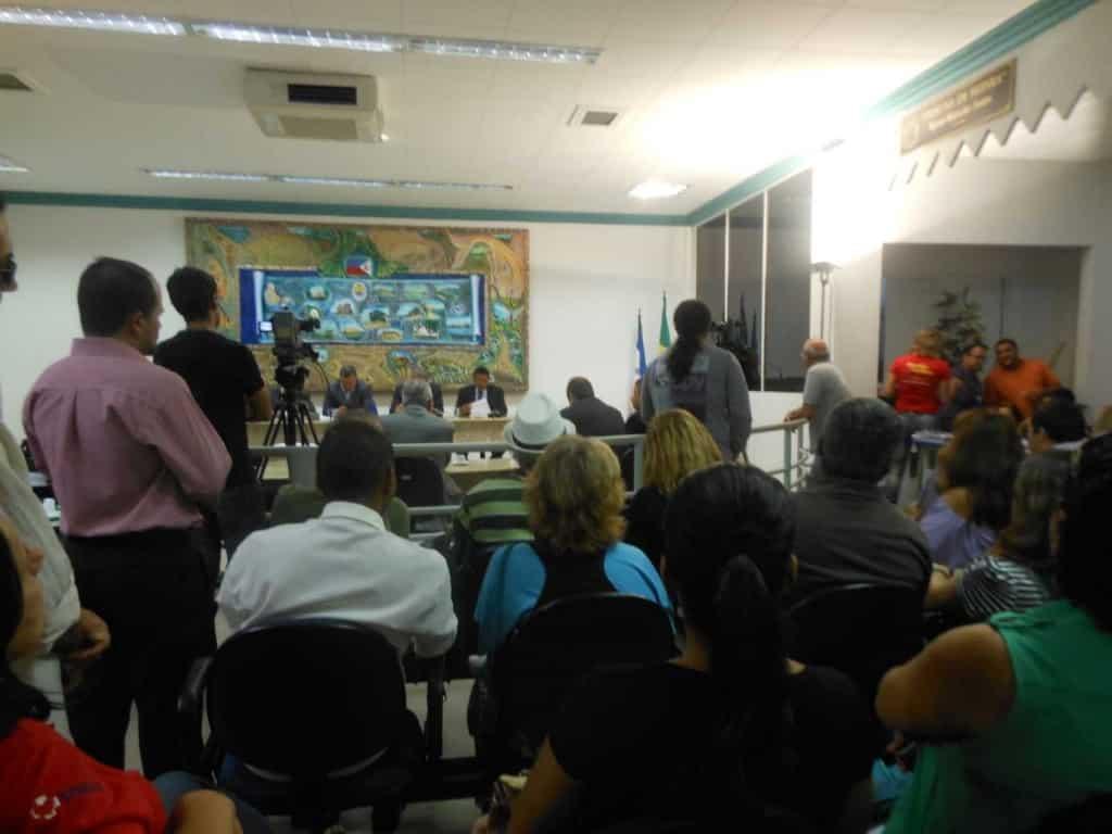 População acompanha a sessão. Foto: Roberta Bourguignon,