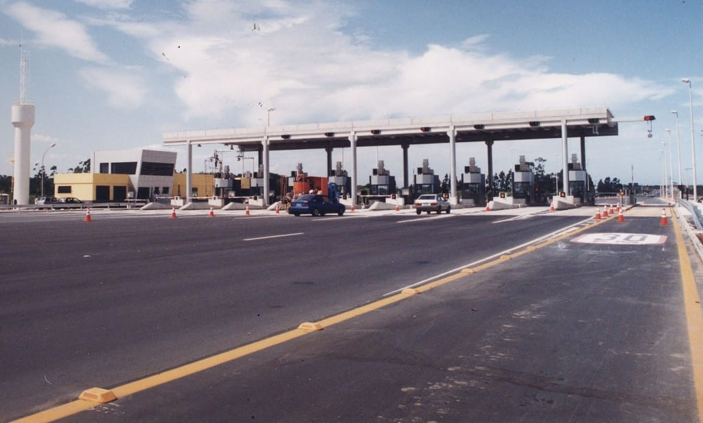 Na Rodovia do Sol já existe pedágio e o valor foi reajustado este ano. Foto: Metron Engenharia.