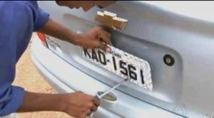 As placas refletivas serão adotadas para aumentar a segurança no trânsito.