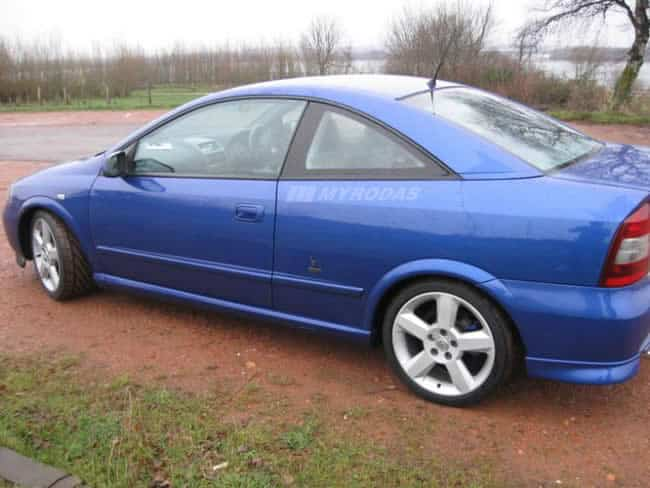 Chevrolet Astra 2.0 azul grudado 2005 Vredestein Ultrac Aro 17 ID1610 P2