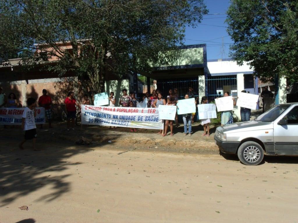 Moradores protestam. Foto: Rosimara Marinho.