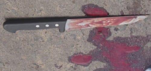 faca-suja-de-sangue