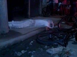 A vítima estava de bicicleta no momento do crime. Foto: Vinícius Rangel