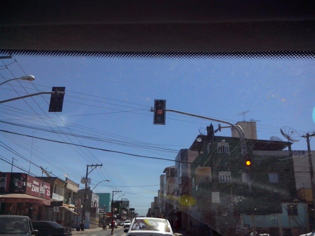 Semáforos estão em pisca alerta. Foto: Jamille Scopel.