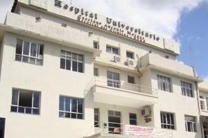Os funcionários em greve denunciam a falta de estrutura do hospital.