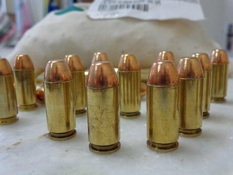 Em pouco mais de um mês, a Polícia Civil distribuiu 15.269 munições de treinamento.  Ao todo, 573 policiais civis já cautelaram o material que está sendo distribuído pela Delegacia de Armas e Munições (Dame).