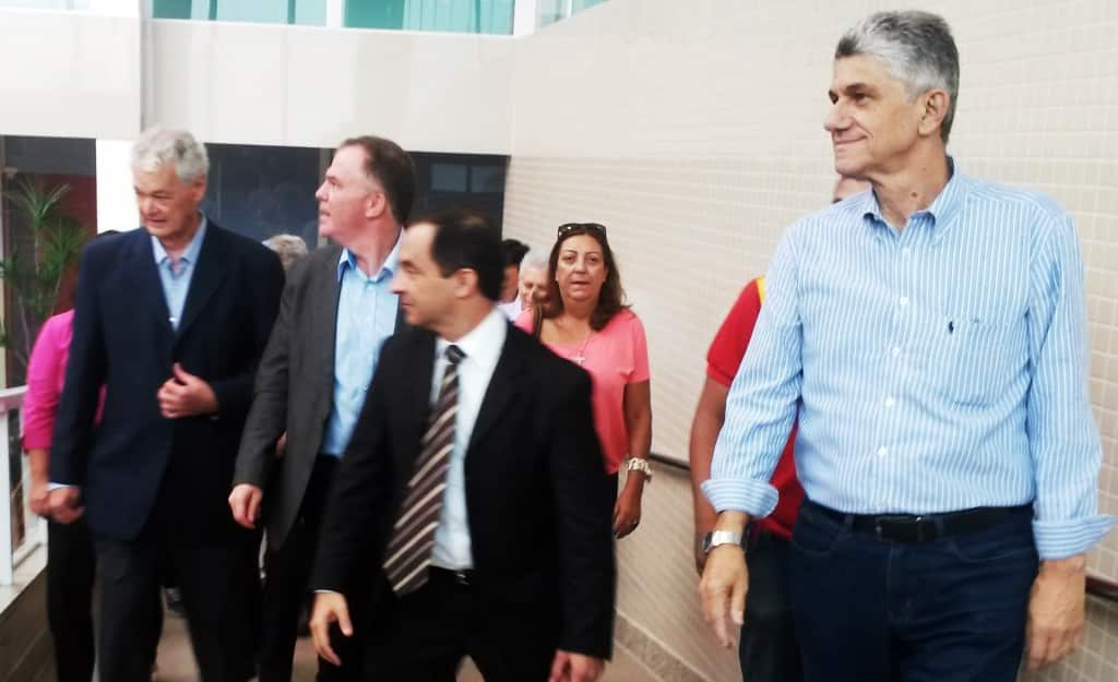 Secretário Tadeu Marino à Direita. FOTO: VINÍCIUS RANGEL.