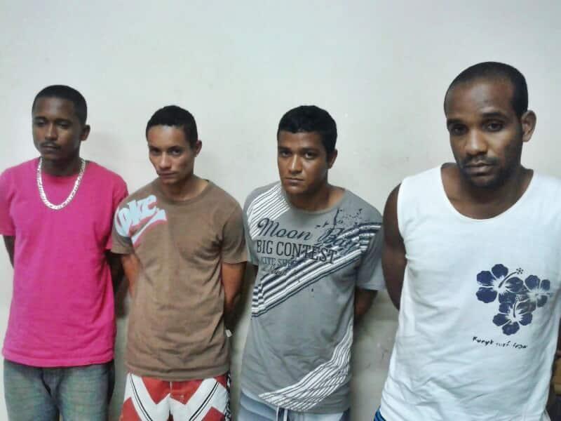 Os detidos foram encaminhados ao DPJ de Guarapari.