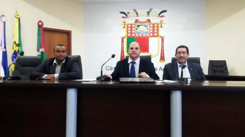 O Presidente Valber Salarini (PSDB), o relator Geovane Meneguelle (PSD) e o membro Carlos Simões (PMDB).