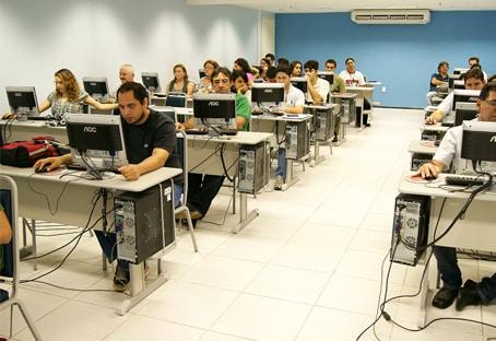 lab-info-Faculdade-Oboe (1)