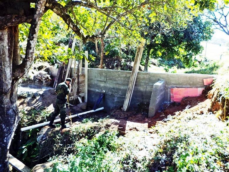 De acordo com o proprietário da área, o acúmulo de água seria utilizado para a atividade de piscicultura.