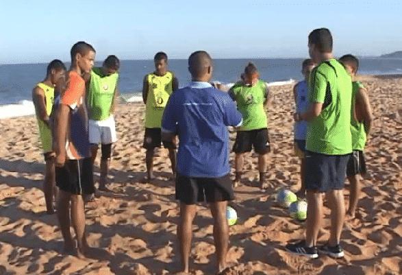beach soccer na peneira