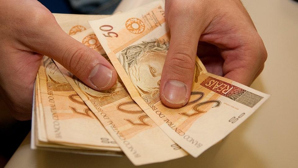 No projeto de lei, também consta a estimativa para a inflação, medida pelo Índice Nacional de Preços ao Consumidor Amplo (IPCA), em 5%, no próximo ano.