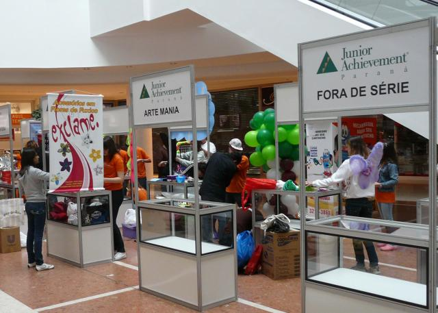 feira-das-miniempresas-da-junior-achievement_021