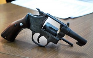 menor-preso-com-arma-de-fogo
