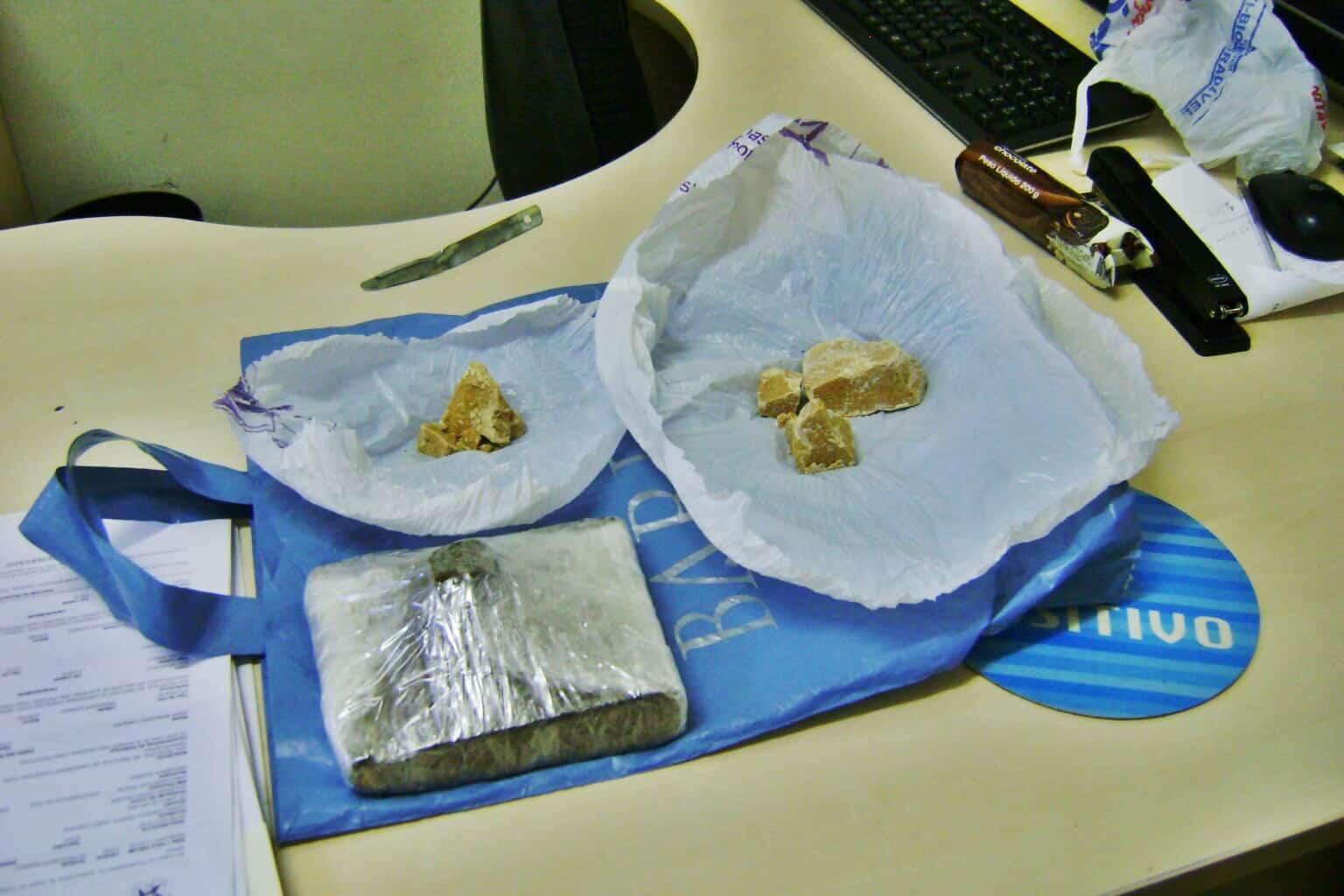 Os detidos responderão pela infração análoga a tráfico de drogas