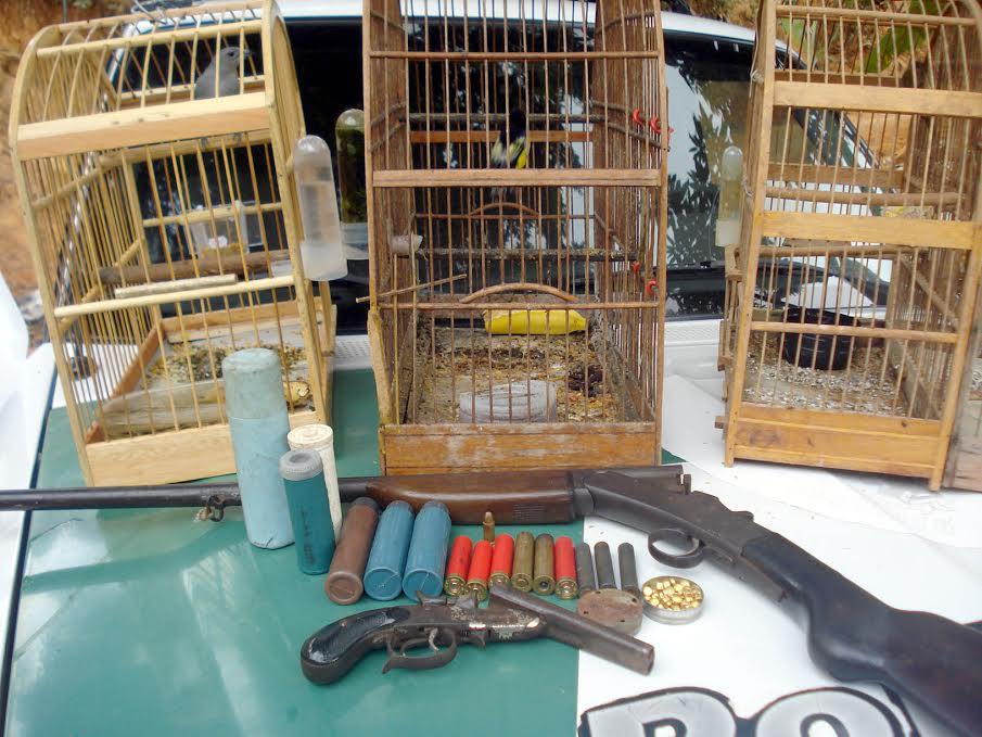Todo o material apreendido foi encaminhado junto com o detido para a Delegacia. Foto: Polícia Ambiental