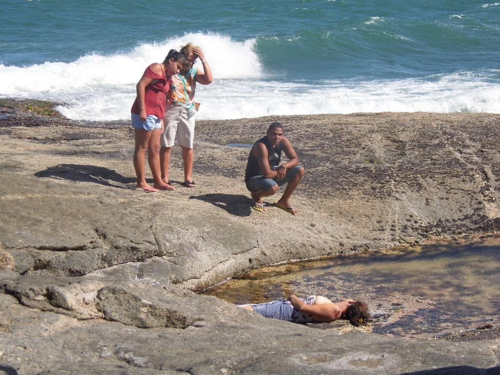 Maria do Rosário passeava nas pedras quando passou mal. Foto: João Thomazelli/Portal 27
