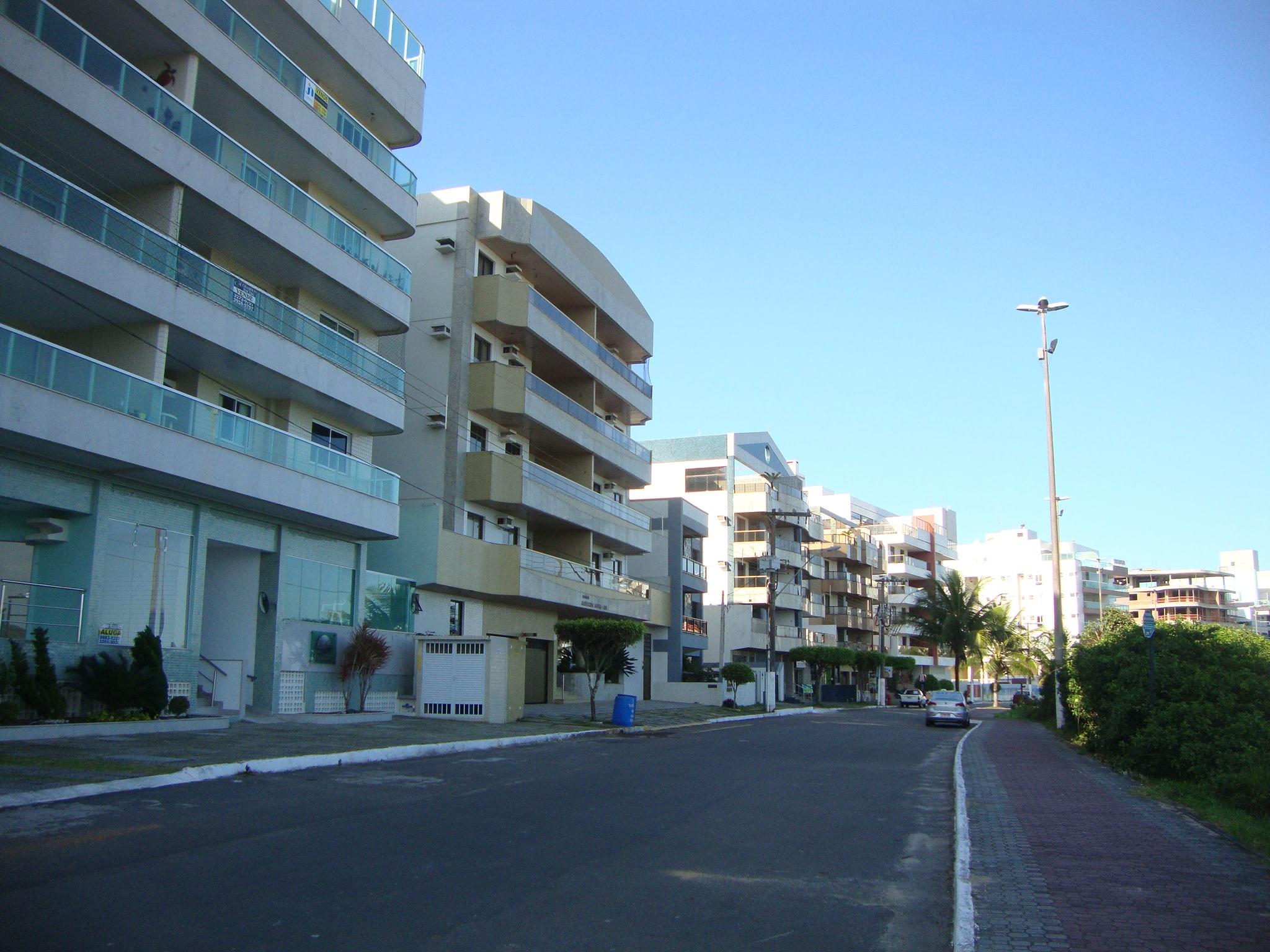 prédios na enseada