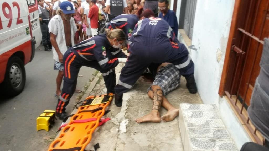Um homem de 28 anos foi atingido por dois disparos no Bairro Adalberto simão Nader na tarde de hoje. Foto: Roberta Bourguignon/Portal 27