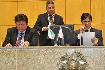 O deputado Edson Magalhães preside a CPI do Transcol. Foto: Web Ales