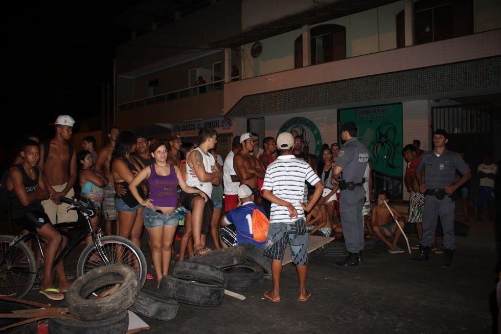 Manifestantes reclamaram da falta de segurança na Rodovia do Sol. Foto: João Thomazelli/Portal 27