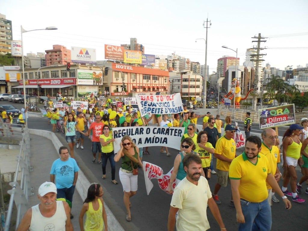 Cerca de 500 pessoas participaram da manifestação. Foto: João Thomazelli/Portal 27