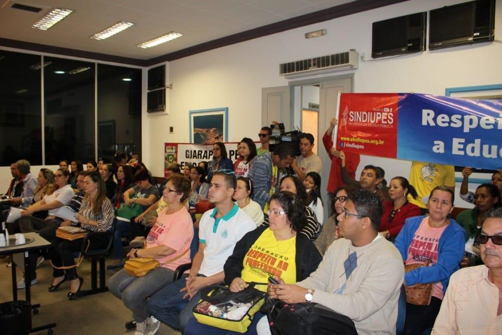 Professores lotaram a Câmara para acompanhar a votação. Foto: João Thomazelli/Portal 27