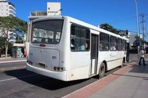 Frota de ônibus deve aumentar depois do novo edital. foto: João Thomazelli/Portal 27
