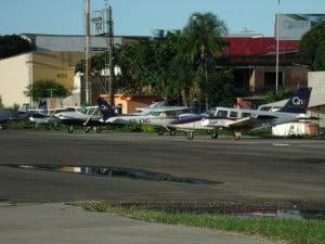 Para estacionar a aeronave é gratuito. Foto: Vinícius Rangel/ Portal 27