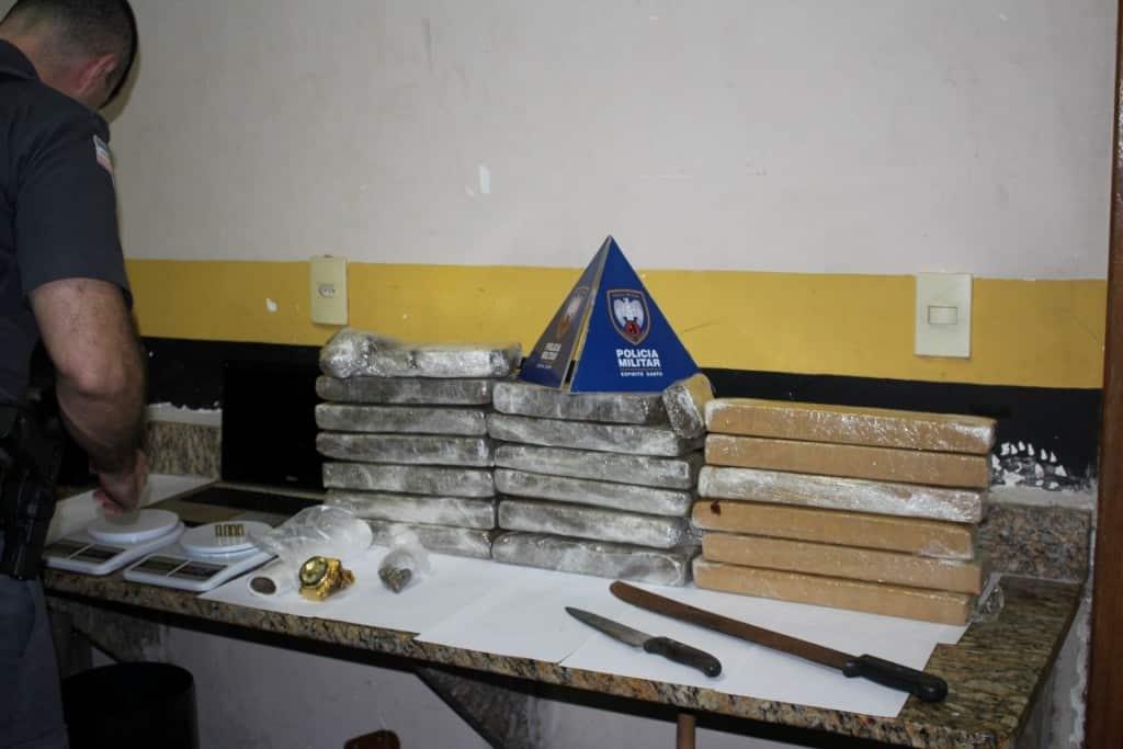 Na casa do suspeito foram encontrados mais de 20 kg de maconha. Foto: João Thomazelli/Portal 27