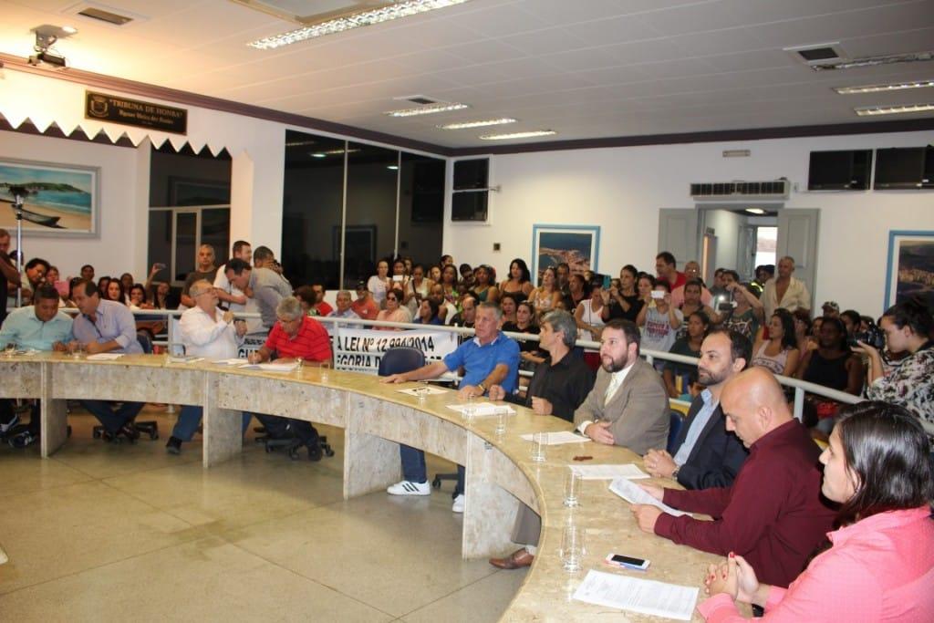 A Câmara ficou lotada pelos servidores municipais. Foto: João Thomazelli/Portal 27