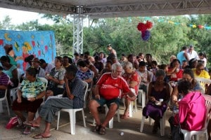 teve bingo com presentes doados pelos funcionários da unidade. Foto: João Thomazelli/Portal 27