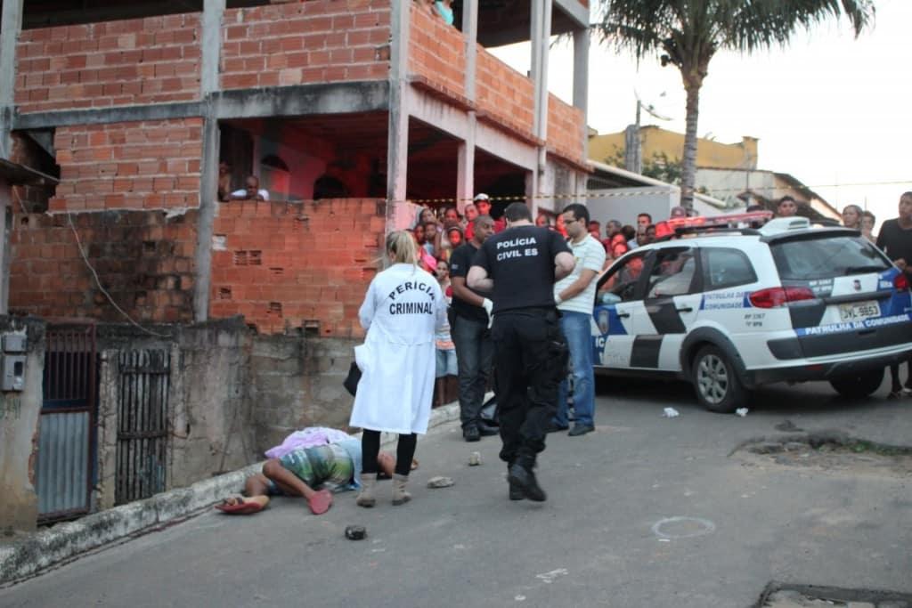 Peritos da Polícia Civil encontraram 31 perfurações no corpo de Rudinei. Foto: João Thomazelli/Portal 27