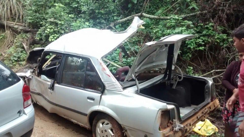 Carro ficou destruído. Foto: TV Gazeta Sul.