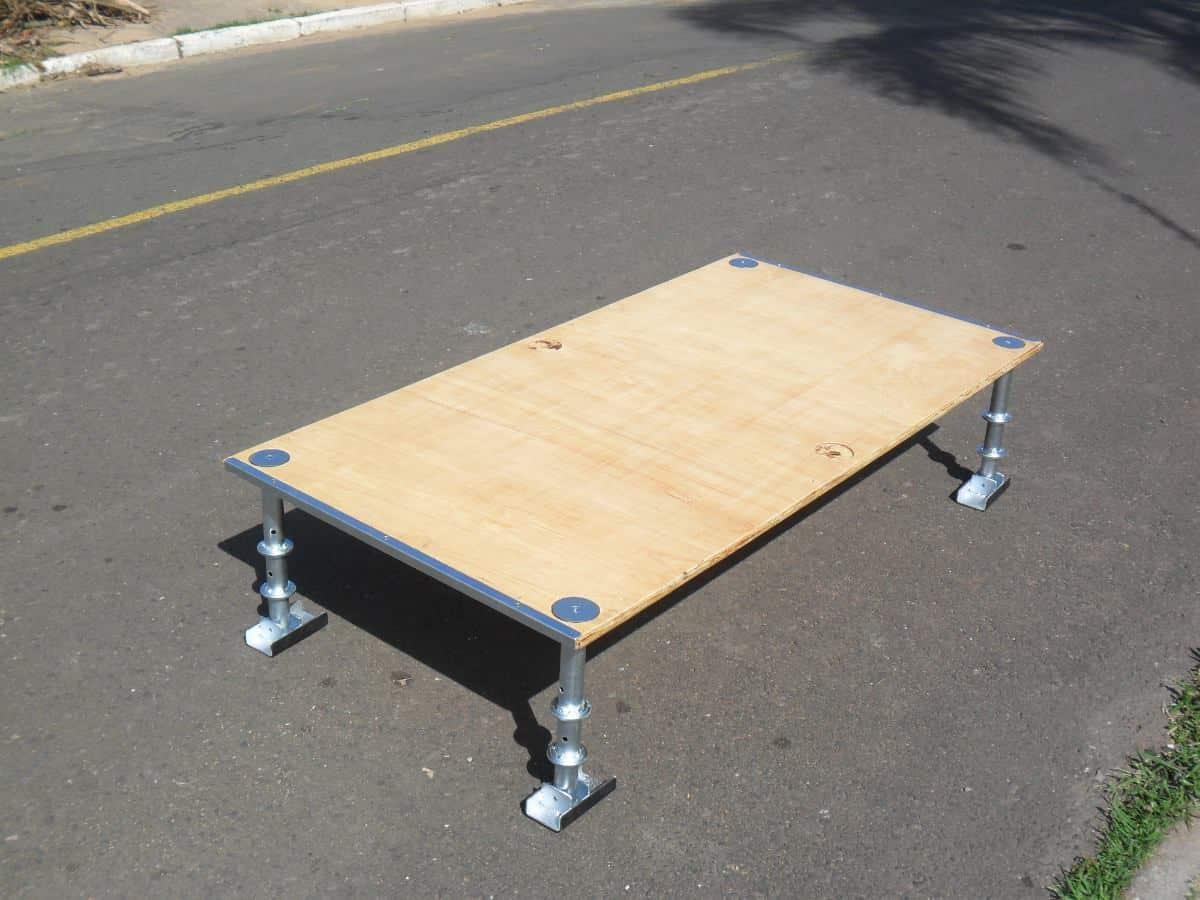 Os obstáculos ajudam os praticantes a fazerem manobras. Foto: Divulgação.