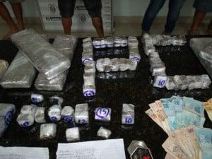 Parte da droga estava cortada em pedações grandes prontos para a venda. Foto: João Thomazelli/Portal 27