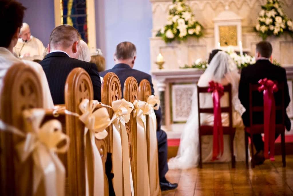 church-wedding-pew-decorations