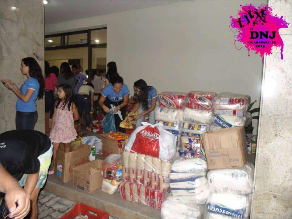 No último DNJ os jovens arrecadaram mais de 10 toneladas de alimentos