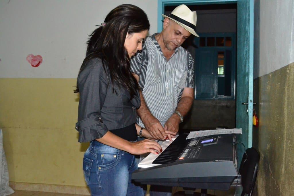 O maestro é quem coordena o projeto. Foto: ACOM/Alfredo Chaves