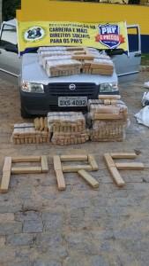 A droga estava no banco de trás de um Fiat Uno. Foto: divulgação