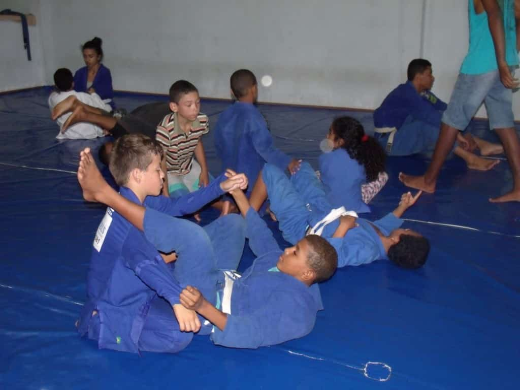 O projeto atende a crianças e adolescentes de várias idades. Foto: João Thomazelli/Portal 27