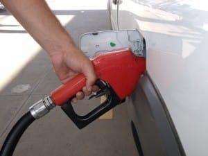 Os postos que ficam às margens da BR-101 vendem a gasolina mais barata. Foto: João Thomazelli/Portal 27